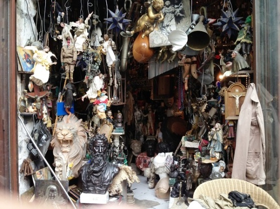 Antique Shop - Napoli Italy