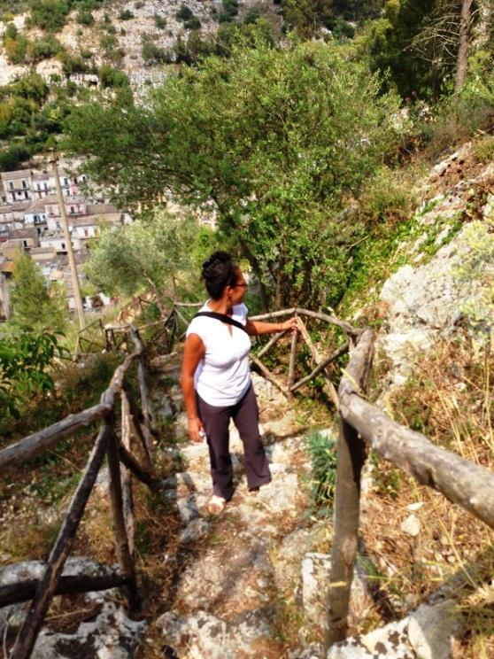 Local path up to Modica Alta