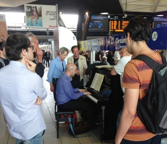 Napoli Central Station - public piano