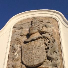 Elvas - decorative family crest