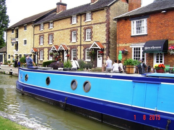 Canal Boat - Stoke Bruerne UK