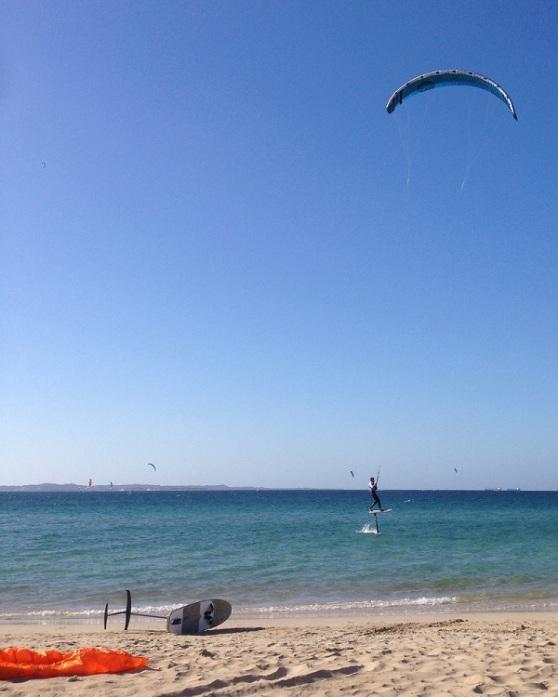 Rockingham Beach - Hydrofoil Kites