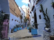 Maroc Chefchaouen - colourful side street