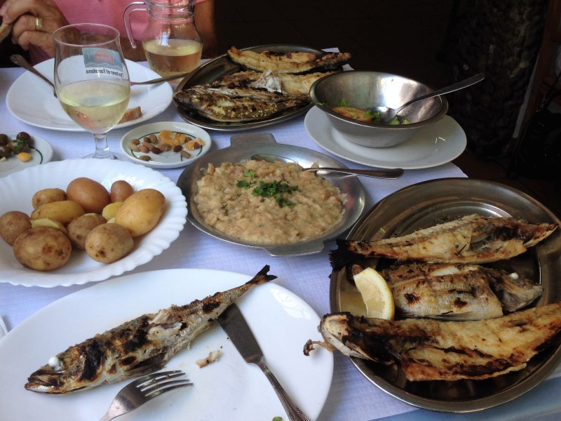 Portugal Setubal - grilled fish platter