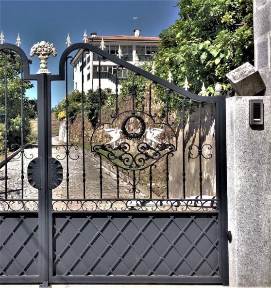Wrought Iron - palatial entrance